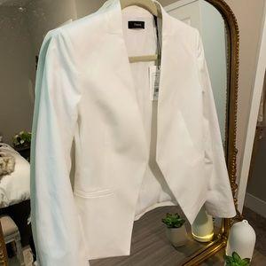 NWT STUNNING Theory blazer in white size 4